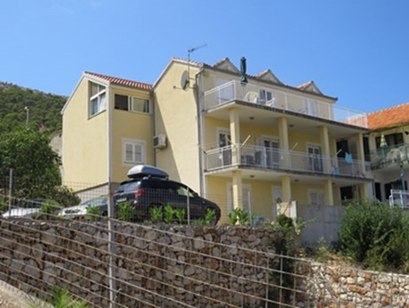 Apartmány Yellow house, Grebaštica